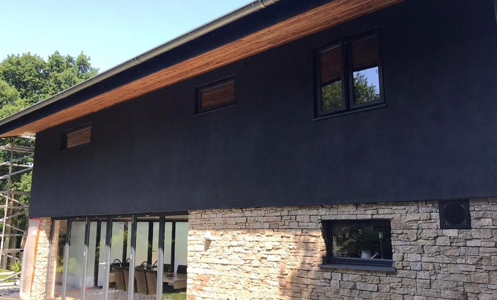 What's the Difference Between Exterior Masonry Paint and Exterior Wall Coatings?